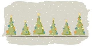 Weihnachtskarte mit 6 Bäumen und Schnee Lizenzfreie Stockfotografie
