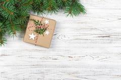 Weihnachtskarte mit Dekor und Niederlassung, Raum für Text Stockfoto