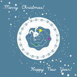 Weihnachtskarte mit dem Häschen, das versucht, den Stern auf den Weihnachtsbaum zu setzen Guten Rutsch ins Neue Jahr celebrtion A Lizenzfreie Stockfotografie
