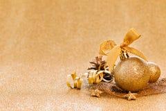 Weihnachtskarte mit Goldenem Stockfoto
