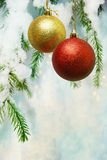 Weihnachtskarte mit Kugeln Stockbild