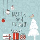 Weihnachtskarte mit Text, Baum und Geschenken auf einem Winterhintergrund Lizenzfreies Stockbild