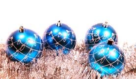 Weihnachtskarte mit Weihnachtenbaum Dekorationen Stockfoto