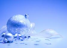 Weihnachtskarte mit Weihnachtsdekoration Lizenzfreie Stockfotos