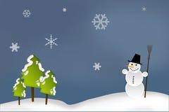 Weihnachtskarte - Schneemann im Wald Stockfotografie