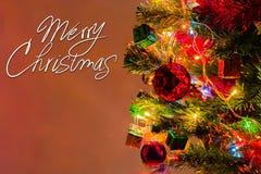 Weihnachtskarte und Weihnachtshintergrund mit festlicher Dekoration Stockbild