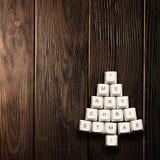 Weihnachtskarte - Weihnachtsbaum gemacht von den Computerschlüsseln lizenzfreie stockfotos