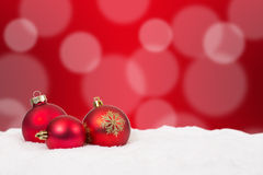Weihnachtskarten-Hintergrunddekoration mit Schnee Stockfotos