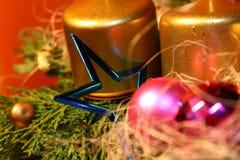 Weihnachtskerze und -stern Lizenzfreies Stockfoto