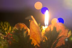 Weihnachtskerzen- und -baumlichter stockbilder