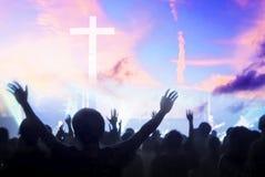 Weihnachtskonzept: Anbetung und Lob Gott stockfotografie