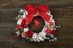 Weihnachtskranz auf Stockfotografie