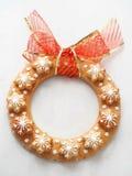 Weihnachtskranz gemacht vom Lebkuchen Stockfotos