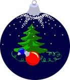 Weihnachtskugel mit Tannenbaum Stockfotografie