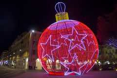Weihnachtskugel in Nizza, Frankreich Lizenzfreie Stockbilder