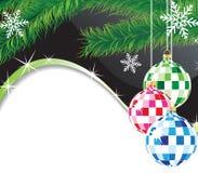 Weihnachtskugeln und Pelzbaum Zweig Stockbild