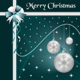 Weihnachtskugelsilber und -bogen Stockfotografie