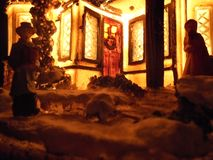 Weihnachtslampe in Form eines Hauses stockbild