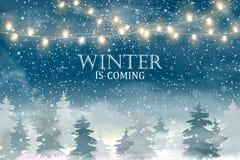 Weihnachtslandschaft mit fallendem Weihnachtsschnee, Koniferenwaldfeiertagswinterlandschaft für frohe Weihnachten und glückliche  Lizenzfreies Stockbild