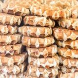 Weihnachtslebensmittel-Markt mit vielen von Belgien Wafles stockfoto