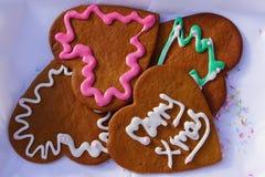 Weihnachtslebkuchen-Herzplätzchen Lizenzfreie Stockfotos