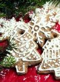 Weihnachtslebkuchenplätzchen Stockfotos