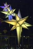 Weihnachtsleuchten im Warner-Gebäude Lizenzfreie Stockbilder