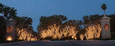 Weihnachtslichterkette in Crystal Cove Stockfotos