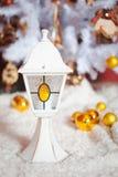 Weihnachtslichtinnenraum mit weißer Lampe Stockbilder
