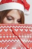 Weihnachtsmädchen mit Beutel Lizenzfreies Stockfoto