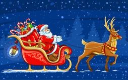 Weihnachtsmann, der den Schlitten mit Ren weitergeht Stockfoto