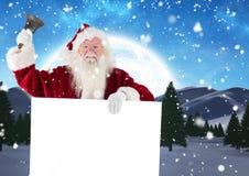 Weihnachtsmann, der eine Glocke beim Halten des Plakats 3D schellt Lizenzfreie Stockbilder