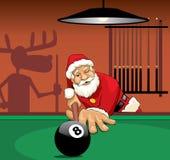Weihnachtsmann, der Pool spielt Lizenzfreie Stockfotos