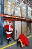 Weihnachtsmann-Lesewunschliste der Geschenke in Str. stockfoto