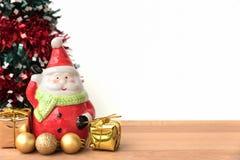 Weihnachtsmann mit dem chrismas Baum Lizenzfreie Stockfotografie