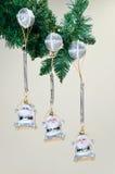 Weihnachtsmann-Puppen auf Schwingen Lizenzfreies Stockbild