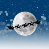 Weihnachtsmann in seinem Pferdeschlitten Lizenzfreie Stockbilder