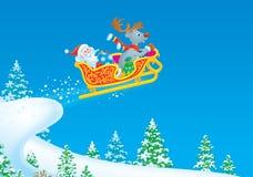 Weihnachtsmann und Ren fliegt in den Pferdeschlitten Lizenzfreies Stockbild