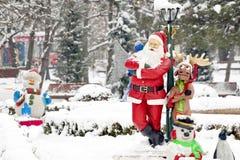 Weihnachtsmann und sein Ren Lizenzfreie Stockfotos