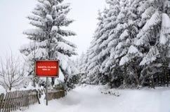 Weihnachtsmann-Verkehrsschild Lizenzfreie Stockfotos