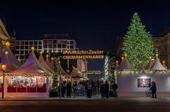 Weihnachtsmarkt auf berühmtem Gendarmenmarkt Lizenzfreie Stockfotos