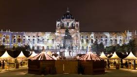 Weihnachtsmarkt bei Maria Theresa Square in Wien - Wien lizenzfreies stockbild
