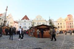 Weihnachtsmarkt in Cesky Krumlov Lizenzfreie Stockfotos