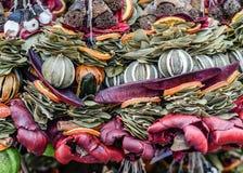 Weihnachtsmarkt Dekorationen gemacht von natürlichem Stockbilder