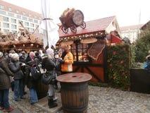 Weihnachtsmarkt in Dresden auf Altmarkt-Quadrat, Deutschland, 2013 Lizenzfreies Stockfoto