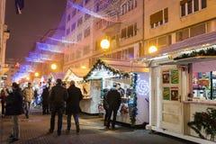Weihnachtsmarkt, Einführung in Zagreb, Kroatien lizenzfreie stockbilder