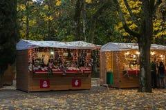 Weihnachtsmarkt im Acqua Santa Park von Chianciano Terme in der Herbstsaison Lizenzfreie Stockfotografie