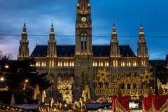 Weihnachtsmarkt an Nahaufnahme Rathaus (WienRathaus) Lizenzfreies Stockfoto