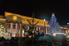 Weihnachtsmarkt 2016 Stuttgarts Weihnachtsmarkt Schlossplatz Nig lizenzfreie stockfotos