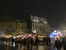 Weihnachtsmarkt Szene in Bremen lizenzfreie stockbilder